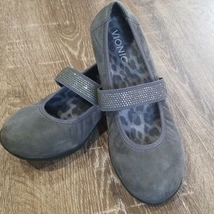 Vionic Fern grey suede mary jane flats 7.5